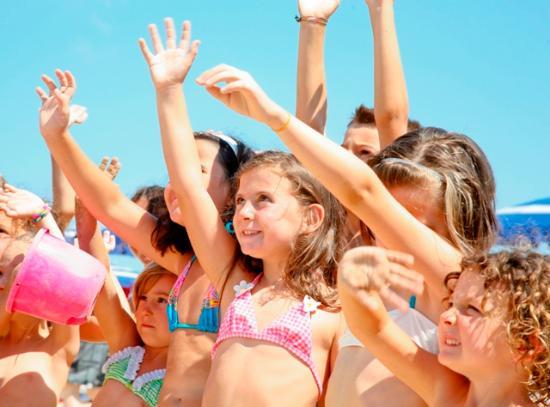 Inizio Agosto All Inclusive a Bellaria: pensione completa con bevande + spiaggia