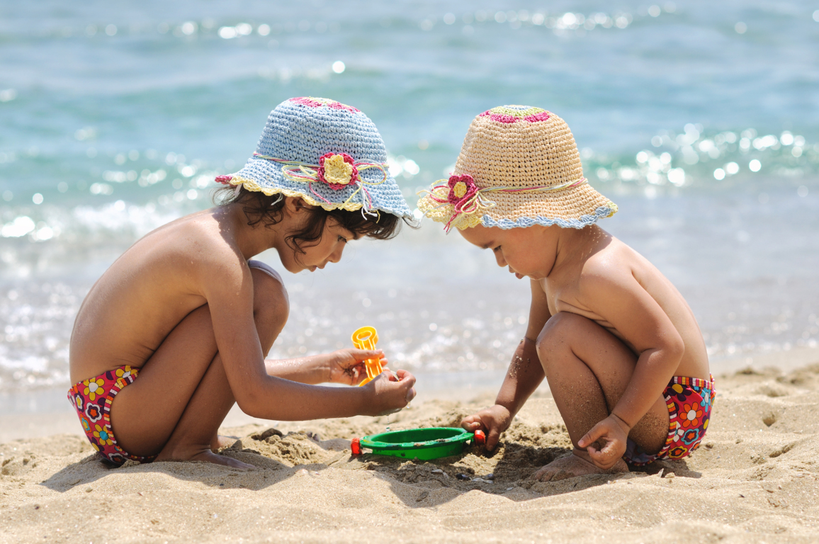 Luglio Pacchetto Tutto Incluso: Bimbo gratis pensione completa con bevande + spiaggia